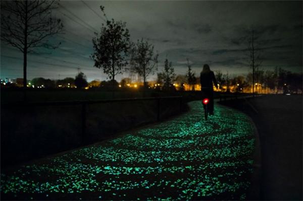 浪漫的星夜车道