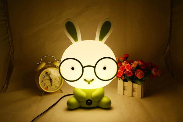 送女朋友的生日礼物 - 小萝莉台灯