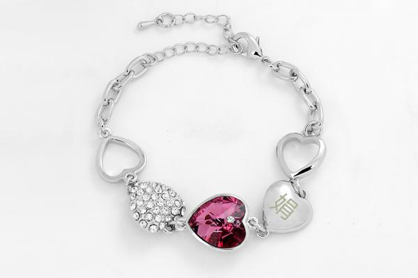 送女朋友的生日礼物 - 水晶爱心手链