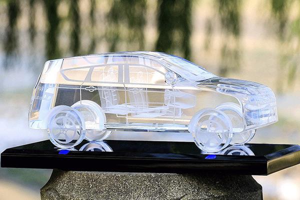 送老公的生日礼物 - 水晶车模