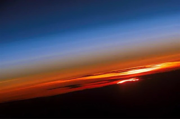太空看日出日落(十一)