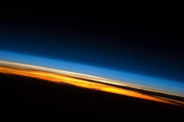 太空看日出日落(六)