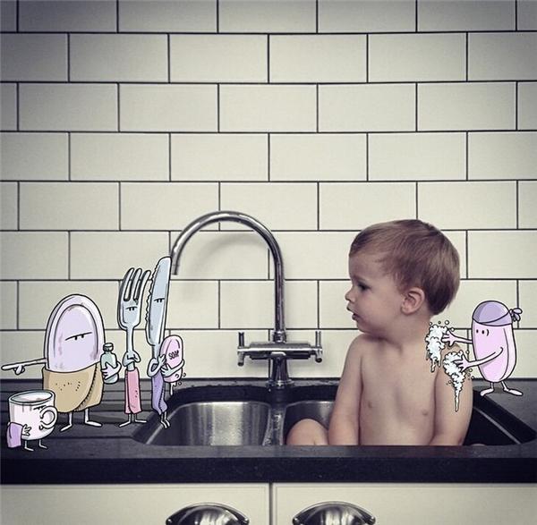 小鬼,你洗澡的地方在那里,这是我们的专属浴池。