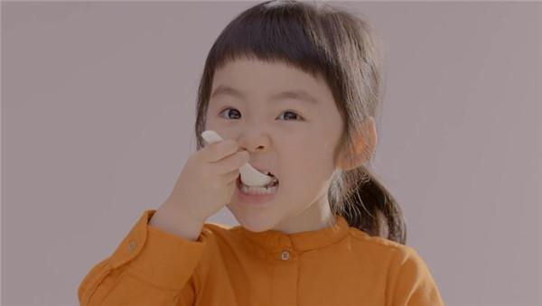 酸奶创意广告-1号小朋友(二)图片