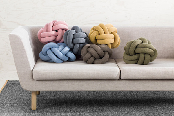 Knot Pillows 抱枕