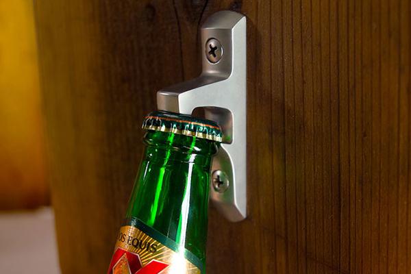 固定的开瓶器