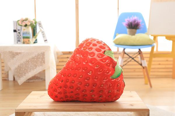 防真水果抱枕(草莓)