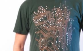机械感十足的电路板T恤