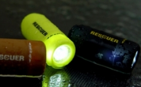 RESCUER USB充电防水小电筒