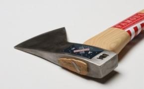 造型优雅的斧子