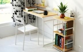 极简风格的朴素电脑桌