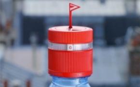 贴心实用的小红旗瓶盖