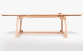 实用的可伸展餐桌