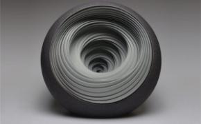 迷乱的陶瓷雕塑
